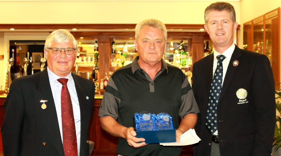 Winner Mr S Smith receiving first place prizes from YUGC President, Jonathan Plaxton and Fulford Captain, Mr Ian Bainbridge