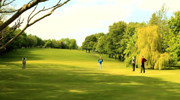The 18th bathed in sunshine for the later finishers